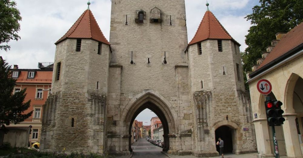 Gateway into Old Regensburg. Note the dearth of marathoners.
