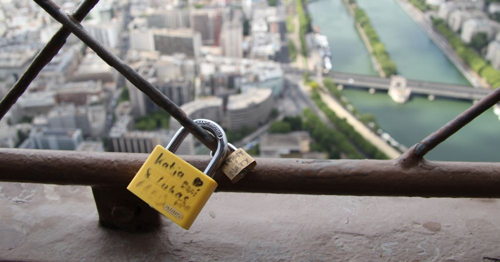 Love locks on Eiffel Tower