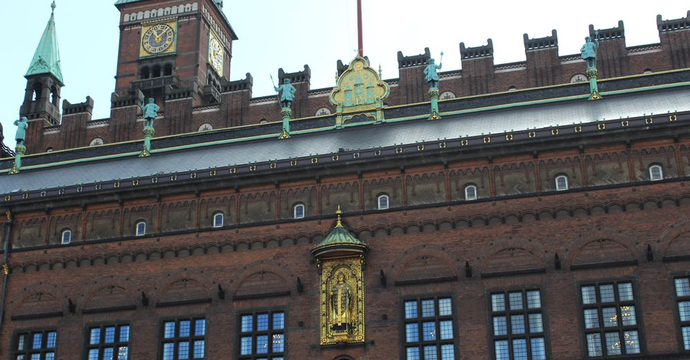 Copenhagen Town Hall: Bishop Absalon below the tri-towered symbol of Copenhagen.