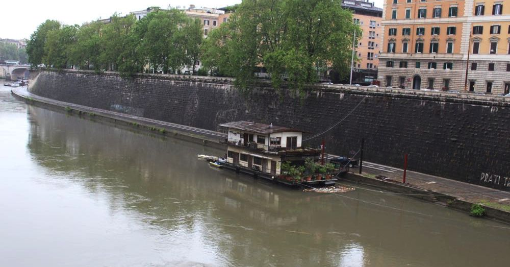 Houseboat on the Tiber
