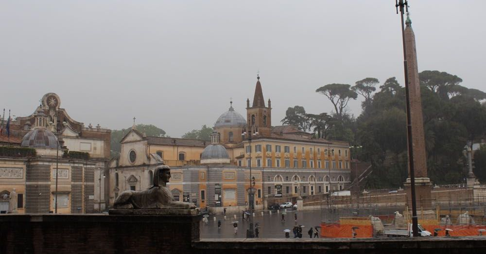 Rain at Piazza del Popolo