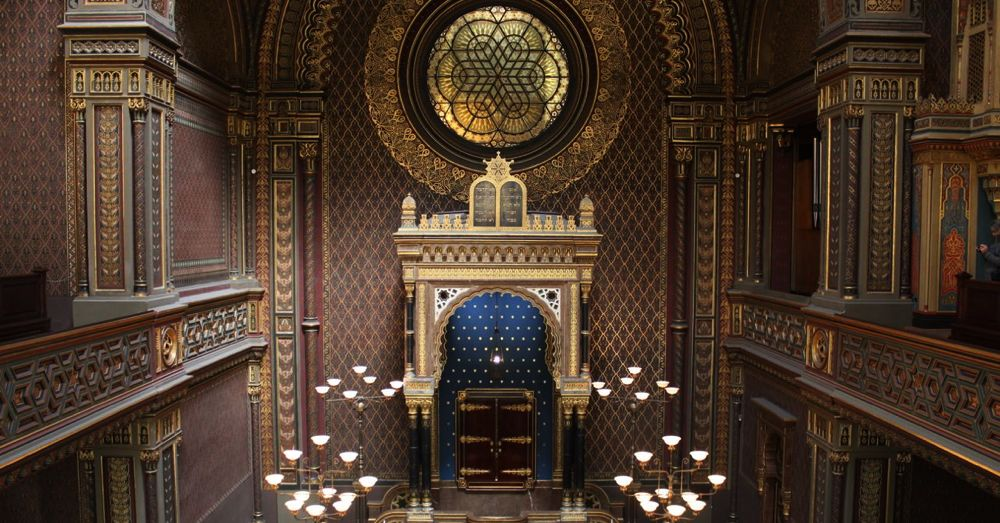 Spanish Synagogue Interior