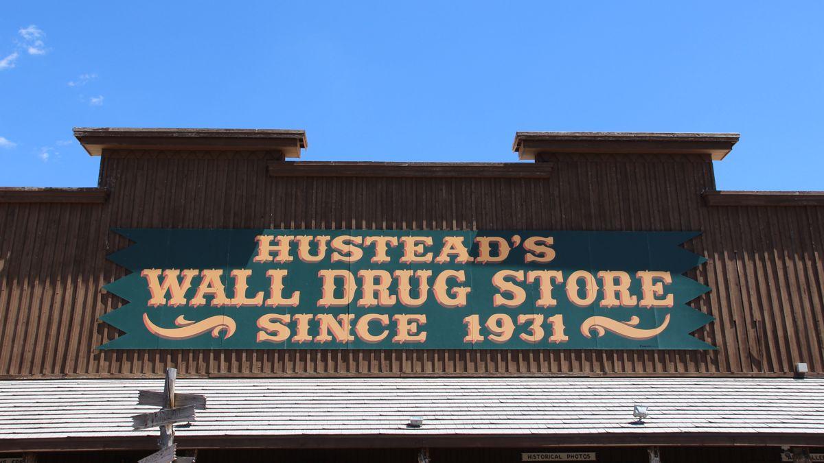 Summer of 17: South Dakota Tourist Traps