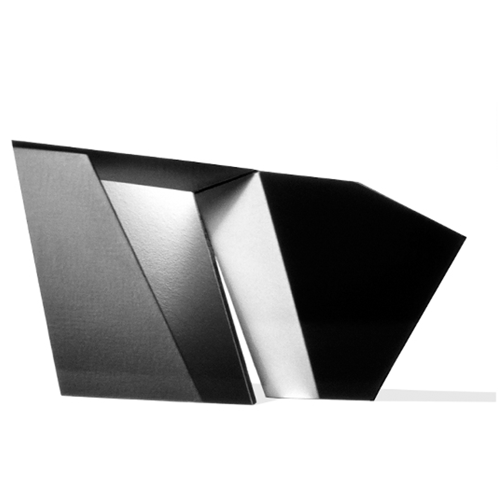 katinka-photoconstruct.4.grayblack.png