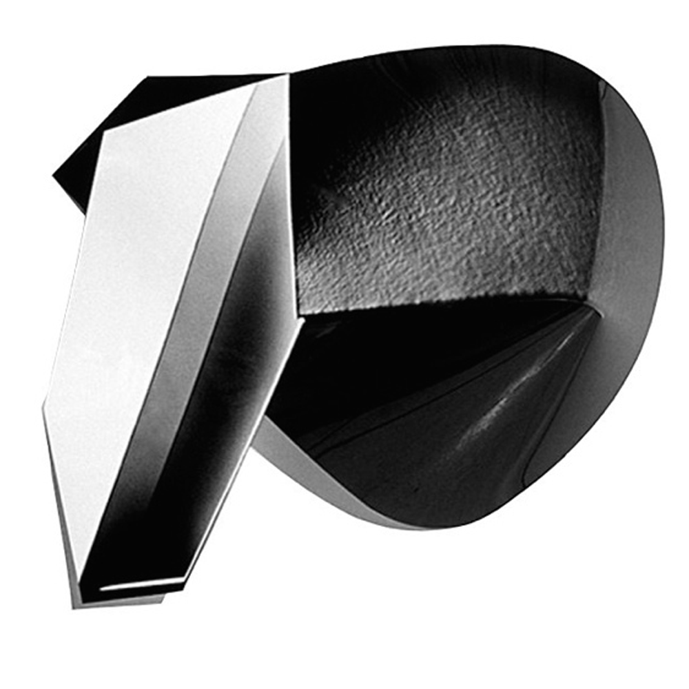 katinka-cutouts5.blackwhite.png