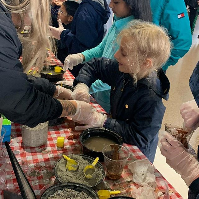 Lots of fun learning about #concrete at the @lovestemsd EXPO Day at Petco Park this past weekend! Kids in the community of all ages were able to make their own concrete projects and discover how this versatile building material is made and where the various ingredients come from.  Many thanks to our volunteers from @graniteconstruction, Enniss Inc., and Swan Insurance! And as always, thank you to our annual sponsors who's donations allow Project Cornerstone to participate in amazing events like EXPO Day and reach hundreds of kids and parents in our community! #STEM #STEMlearning #aggregates #aggregatesinaction #CoolConstructionCareers #projectcornerstone