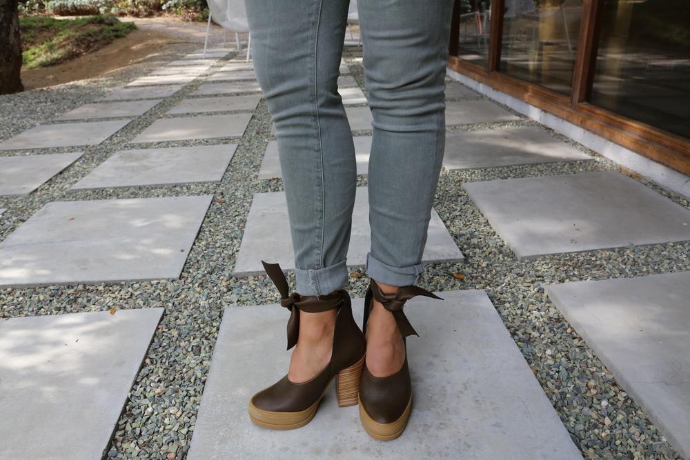 chloe-heels-jbrand-jeans-olive-green-los-angeles.jpg