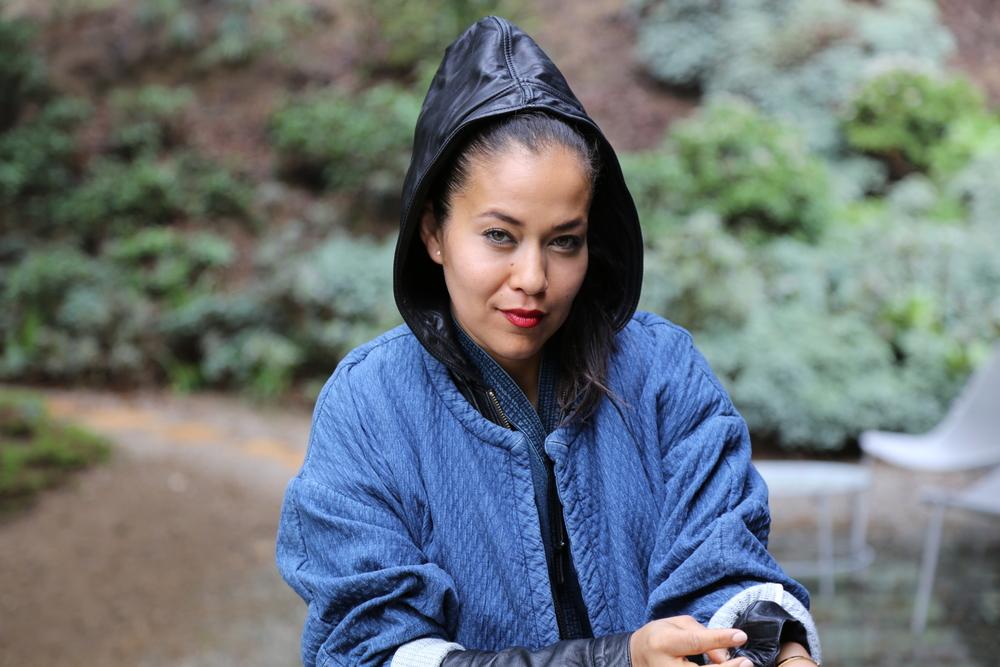 isabel-marant-robe-coat-kimono-jumpsuit-denim-nike-dunks-red-sneakers-mike-chris-leather-jacket-black-los-angeles.jpg.JPG