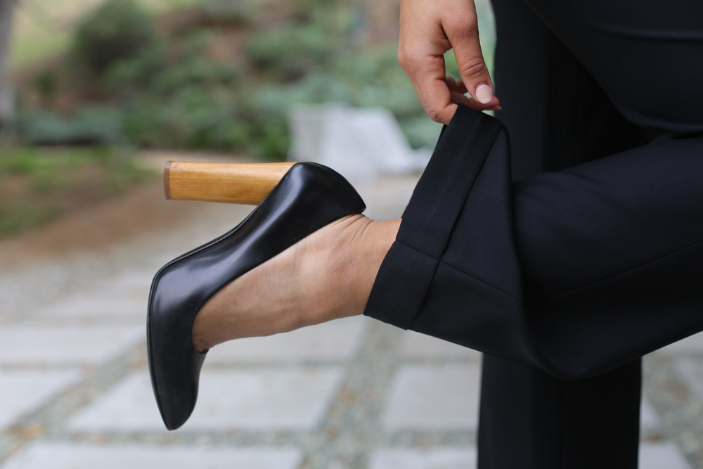 ysl-pumps-black-wood-heel-los-angeles.jpg