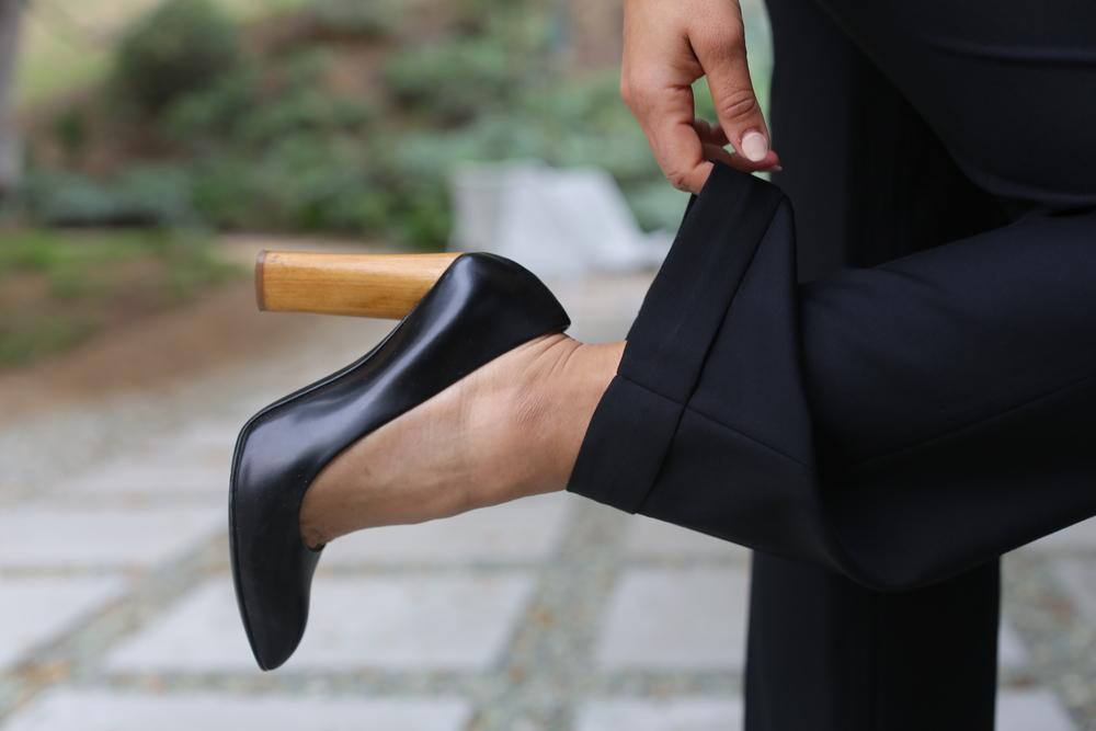 ysl-pumps-black-wood-heel-los-angeles.jpg