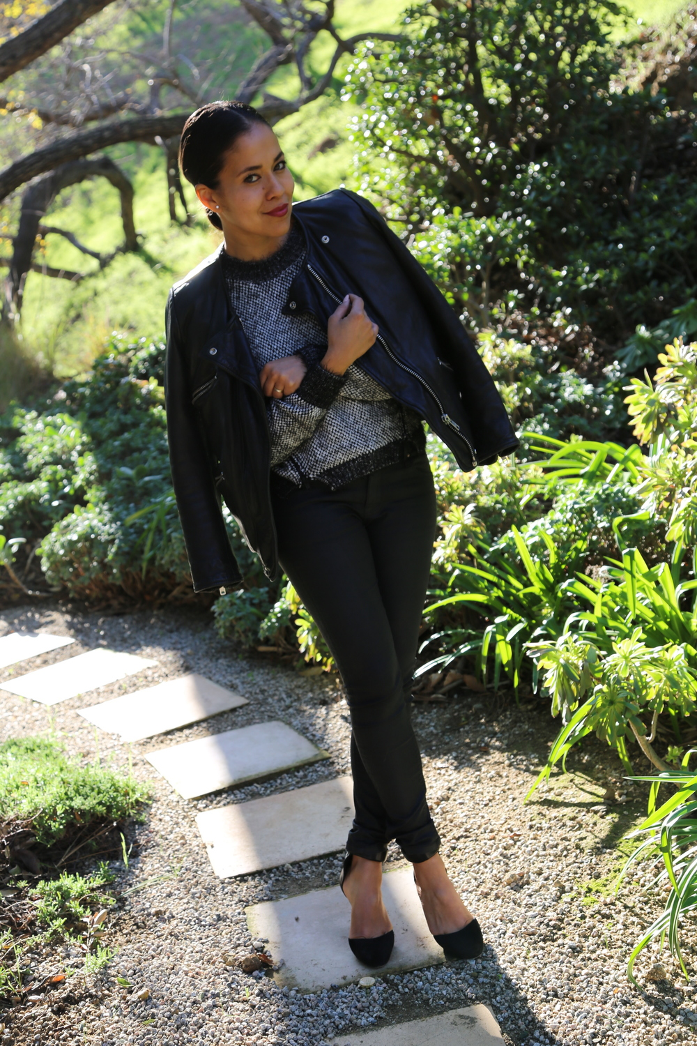 JONATHAN-SIMKHAI-SWEATER-TEXTURE-ISABEL-MARANT-WEDGE-HEELS-MOTO-JACKET-BLACK-ZARA-JEANS-LOS-ANGELES-VANESSA-BELETIC.JPG
