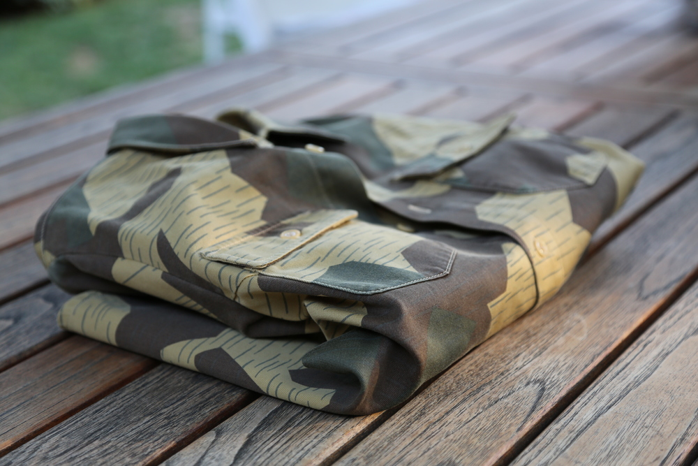 APC-CAMO-SHIRT-VANESSA-BELETIC-MINIMAL-PACKING.JPG