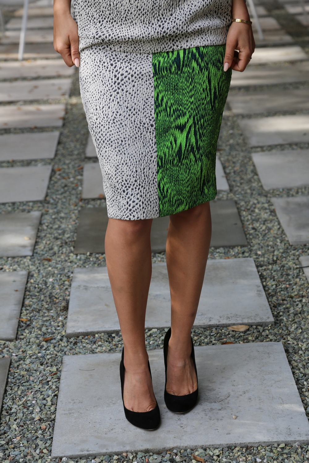 AVELON-PENCIL-SKIRT-BOLD-PRINT-BLACK-GREEN-VANESSA-BELETIC-LOS-ANGELES.JPG