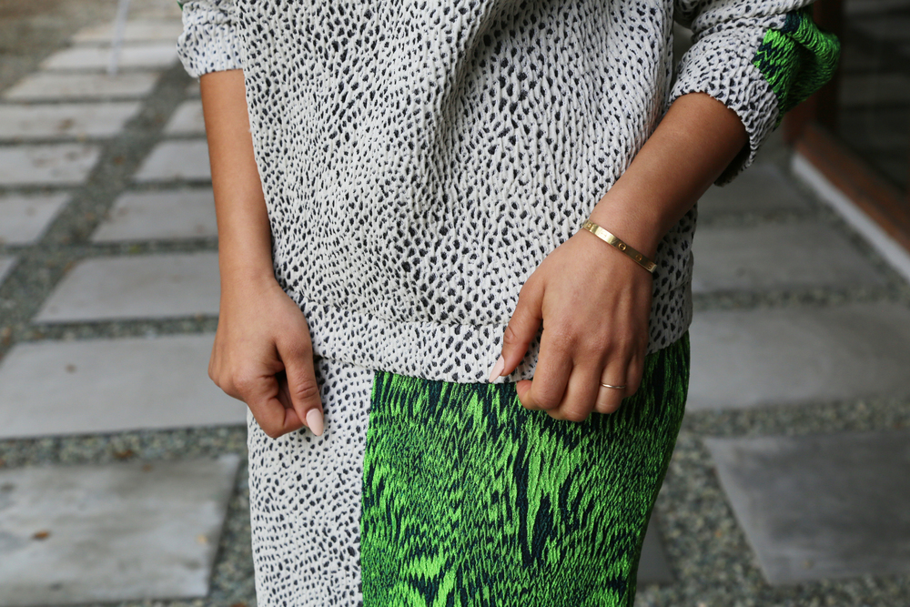AVELON-PENCIL-SKIRT-BOLD-PRINT-GREEN-WORK-VANESSA-BELETIC-LOS-ANGELES.JPG
