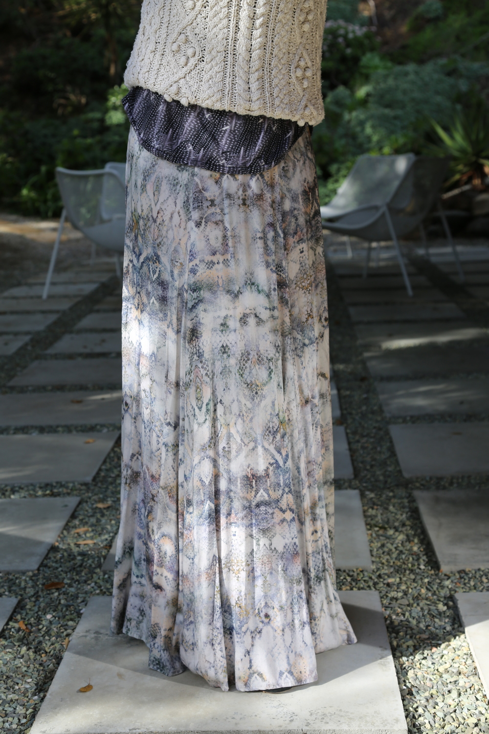 BOHEMIAN-VANESSA-BELETIC-ZARA-MAXI-SKIRT-ISABEL-MARANT-T-SWEATER-LOS-ANGELES.JPG
