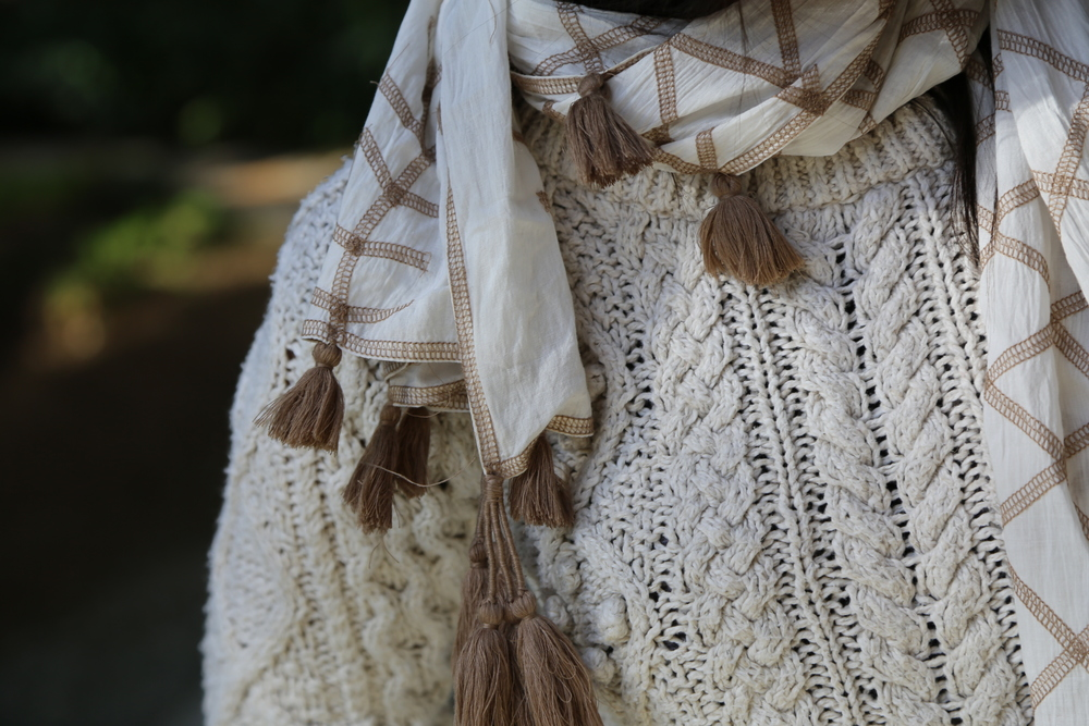 BOHEMIAN-VANESSA-BELETIC-INDIAN-WHITE-SCARF-WHITE-ISABEL-MARANT-SWEATER-LOS-ANGELES.JPG