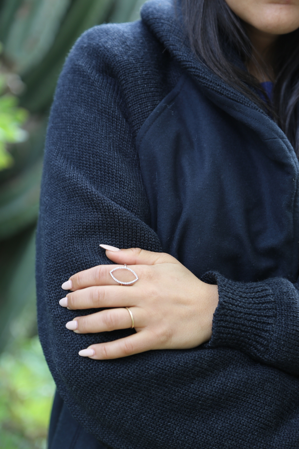 VANESSA-BELETIC-TORNAGHI-RING-NAVY-CARDIGAN-LOS-ANGELES.JPG