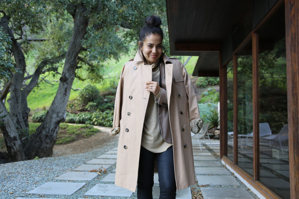 VANESSA-BELETIC-CAMEL-BLACK-APC-TRENCH-LOS-ANGELES.JPG