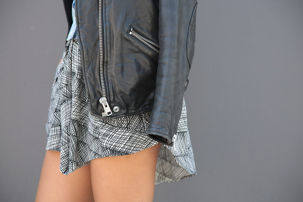 VANESSA-BELETIC-KENZO-PRINT-SHORTS-LOS-ANGELES.JPG