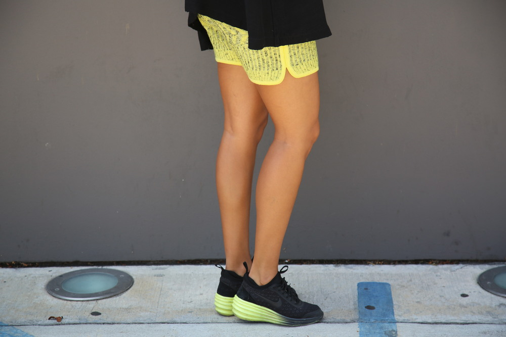 VANESSA-BELETIC-STREET-STYLE-NEON-NIKE-WEDGE-LOS-ANGELES.JPG