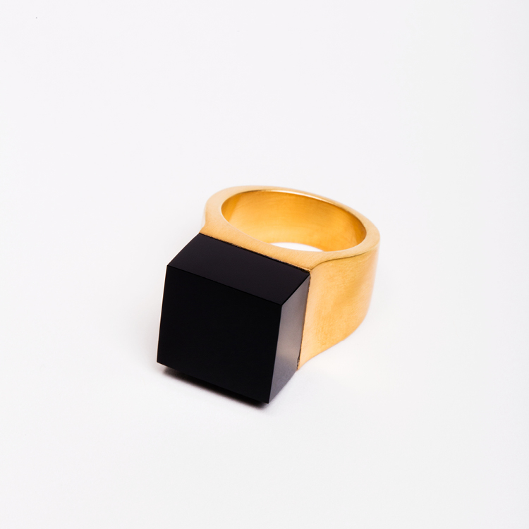 ming-yu-wang-jewelry-vector-18k-gold-plated-brass-onyx-ring-shop-000010160.jpg