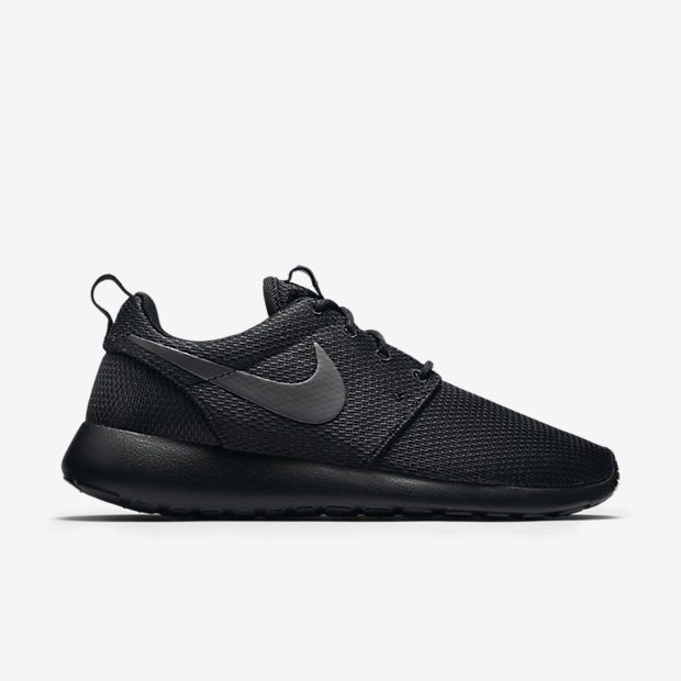 Nike-Roshe-Run-Womens-Shoe-511882_096_A_PREM.jpg