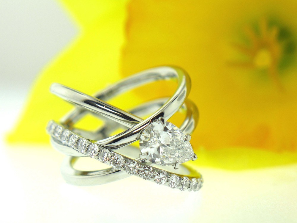 Custom Pear Shaped Diamond Ring
