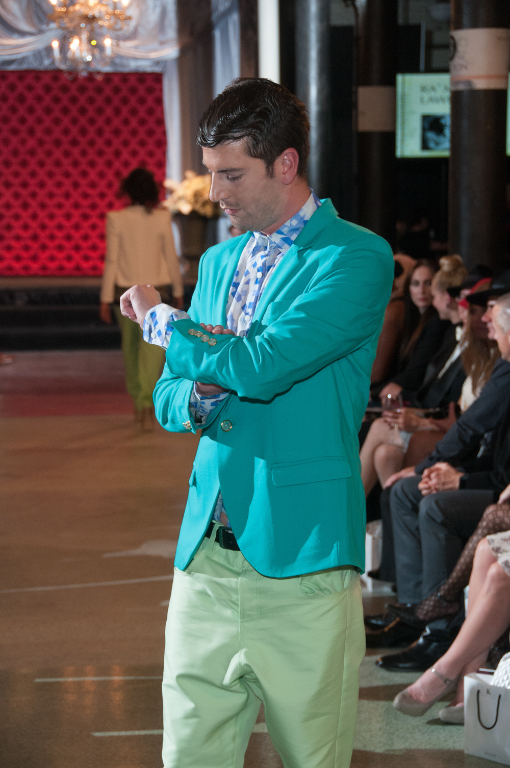 Run_Up_Runway_Featuring_Lyle_Husar_Designs_Brookfield15.jpg