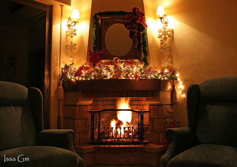 """Christmas Fireplace"" by Issa Gm. Licensed for public use under the GNU Free Documentation License and Creative Commons Attribution."