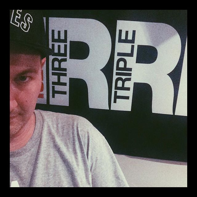 Edo bout to chat about DITN on @3rrrfm right nowwww 📡📡📡