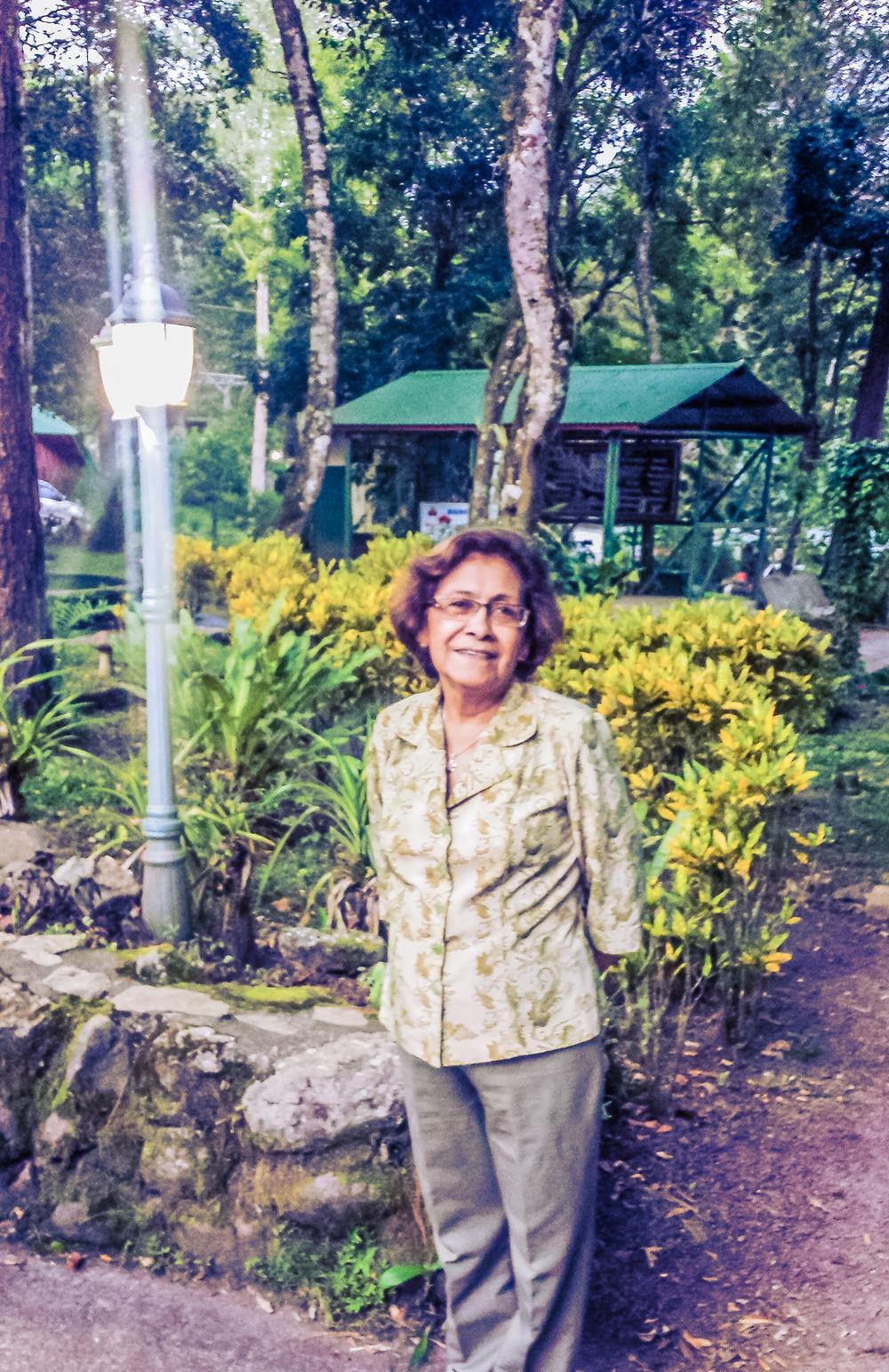 Tia Zenelia at Selva Negra.