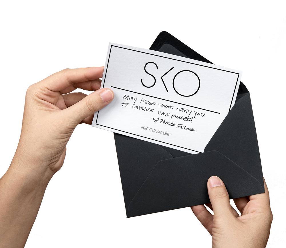 Card_and_Envelope_White.jpg