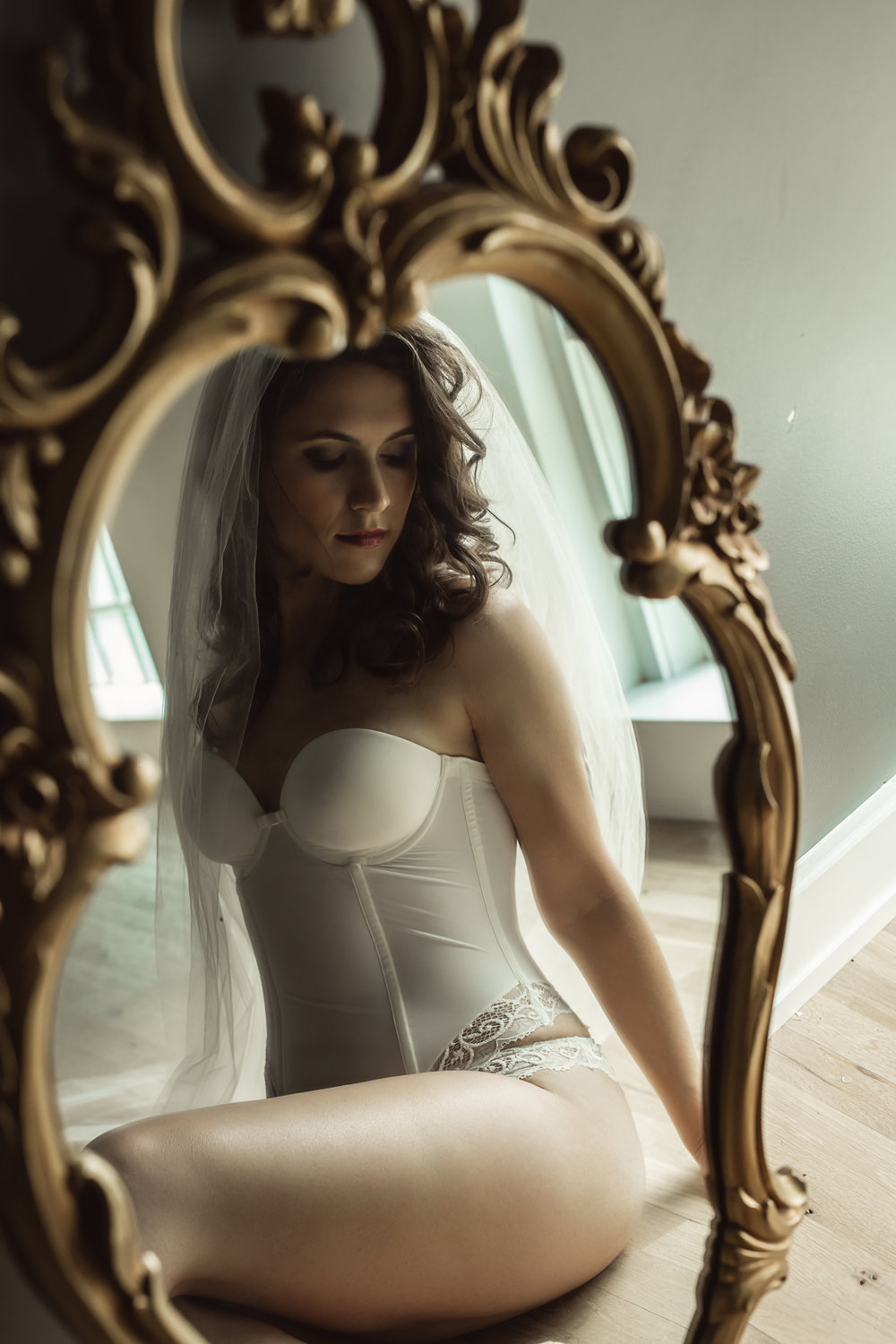 CATE SCAGLIONE-RED BANK BOUDOIR-kmberl (31 of 45).jpg