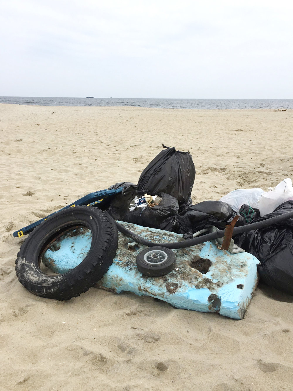 amy_chen_design_surfrider_asbury_park_new_jersey_beach_clean_trash_pile.JPG