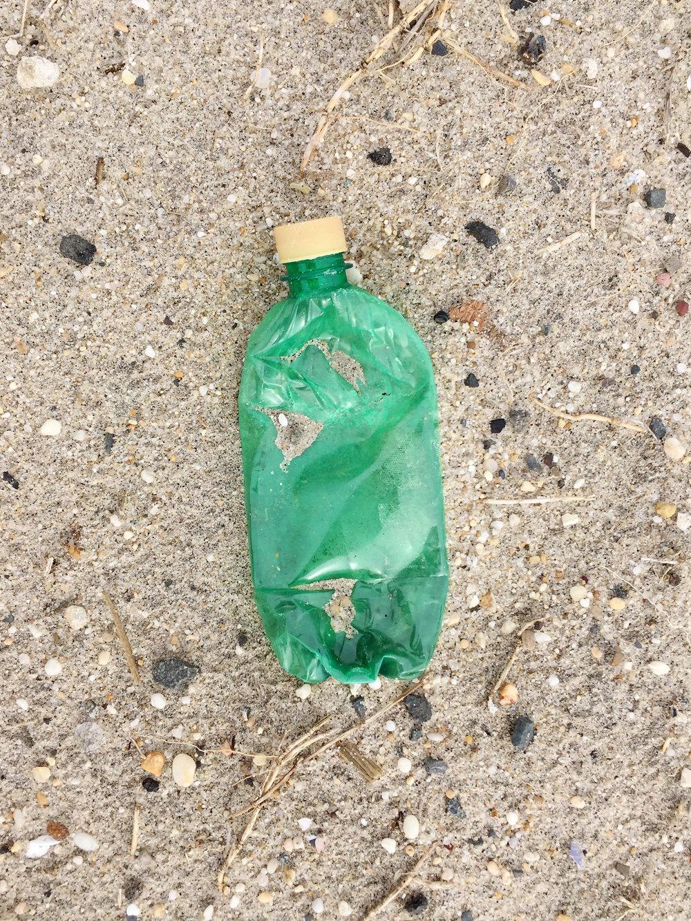 amy_chen_design_surfrider_asbury_park_new_jersey_beach_clean_plastic_bottle.JPG