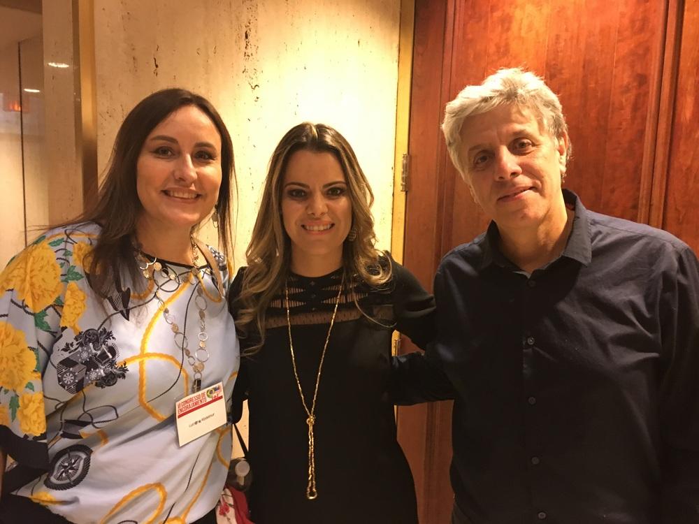 Luciene Abdelnur, Ana Paula Valadão e o Maestro Victor Chicri.