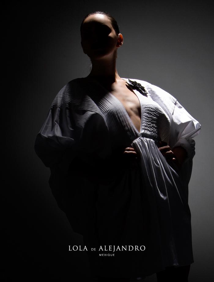 Fall 2009. Photography: Carlos Rodríguez. Hair and Makeup: Sofía Vázquez. Model: Andrea González.