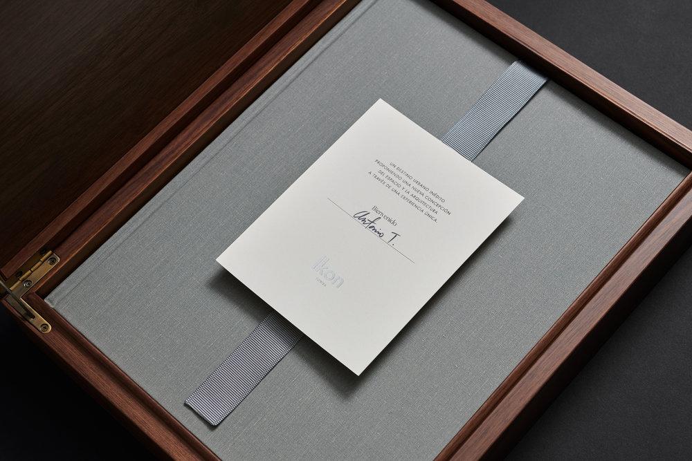 LAT_Ikon_Box_Card_Book.jpg