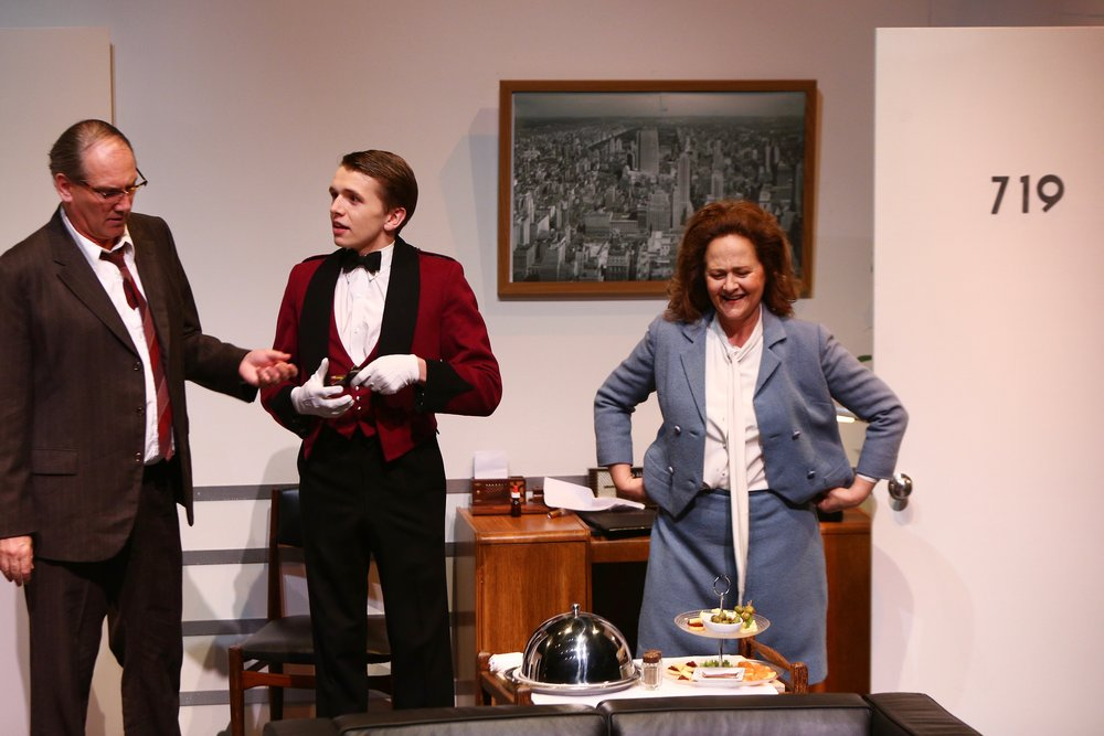5. Sam Nash (Colin Moody), Waiter (Laurence Boxhall) - Plaza Suite - Visitor from Mamaroneck .jpg