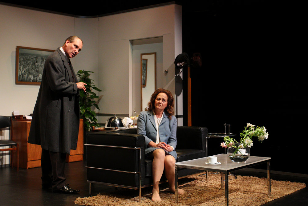 13. Sam Nash (Colin Moody) and Karen Nash (Odile Le Clezio) - Plaza Suite - Visitor From Mamaroneck.jpg