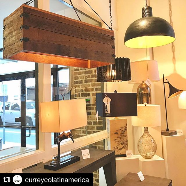 Currey & Co #Repost @curreycolatinamerica @morganstuartlogistics ・・・ #design #interiordesign #decor #materials #furnituredesign #lighting #details #curreyco #style #spring #hpmkt2018 #bestbrands #morganstuartllc #chandelier #consoletable #tablelamp #instalighting #lighting #modernlighting #caducusfolium