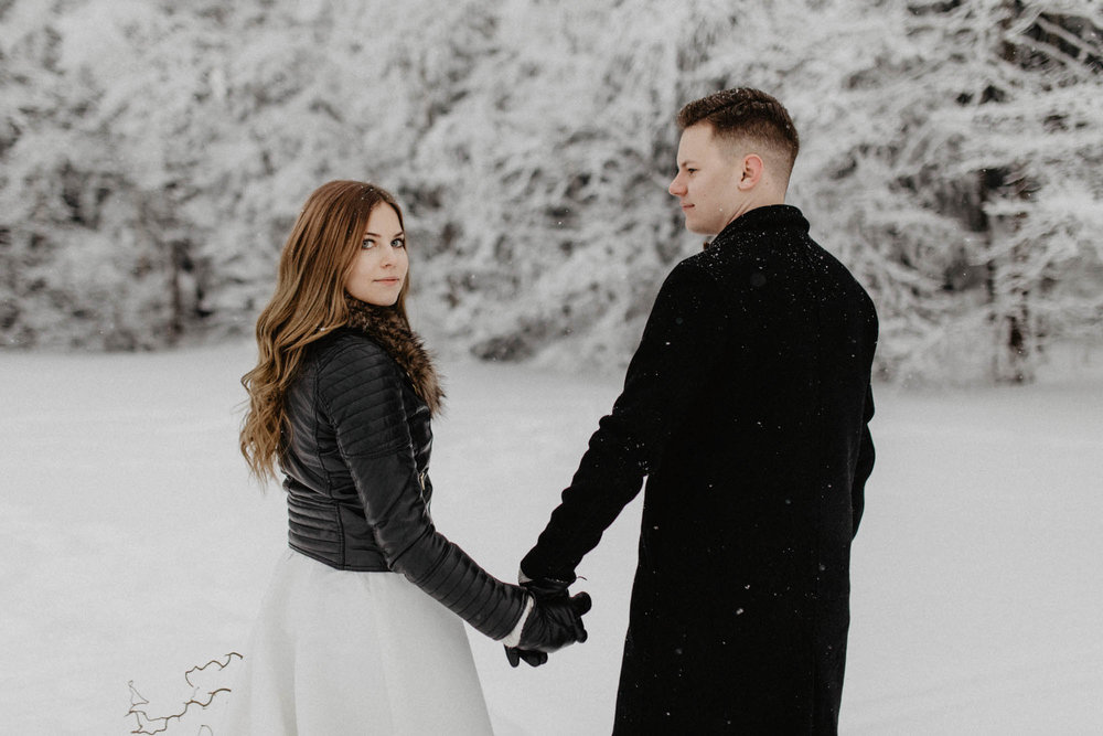 ashley_schulman_photography-winter_wedding_tampere-4.jpg