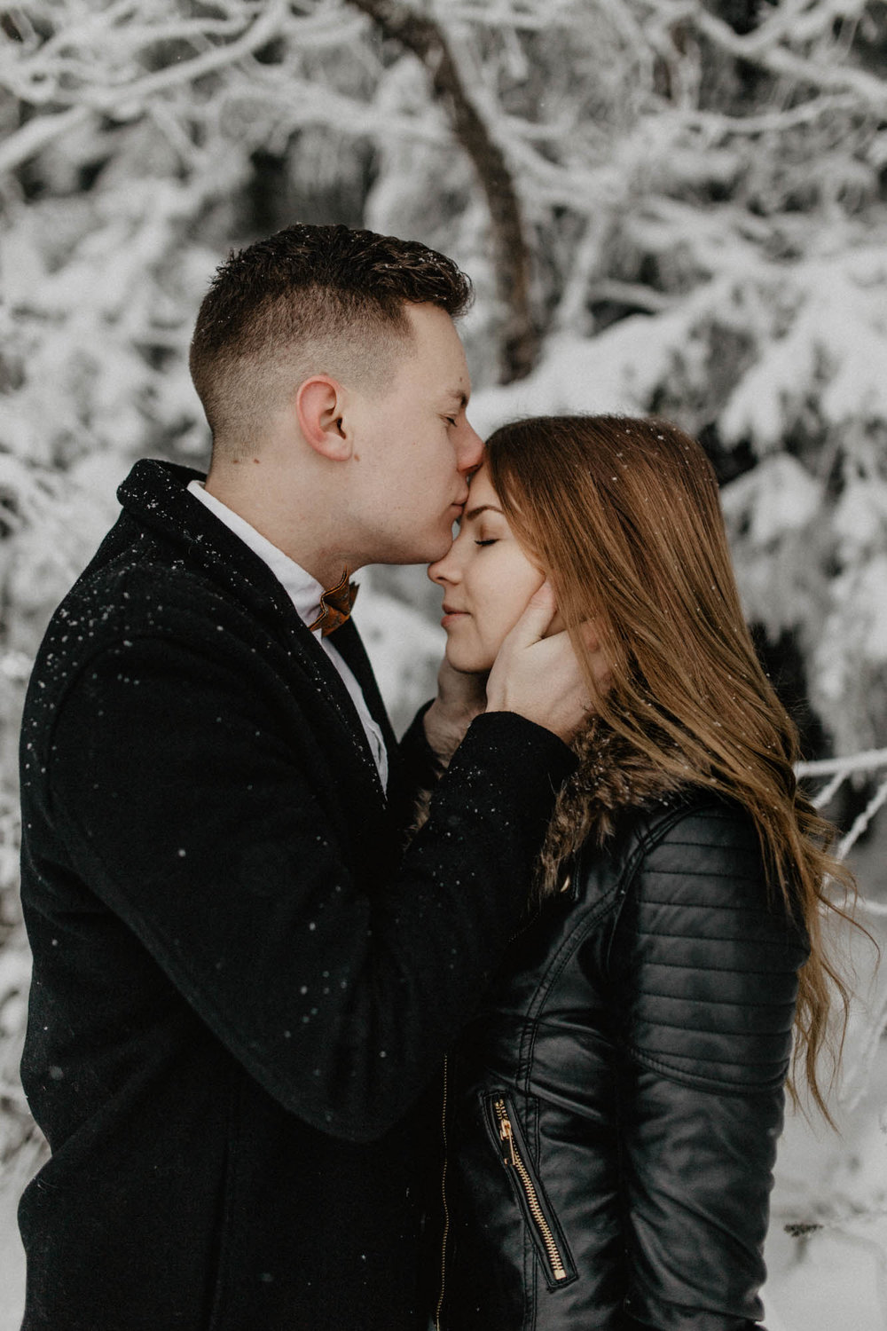 ashley_schulman_photography-winter_wedding_tampere-15.jpg