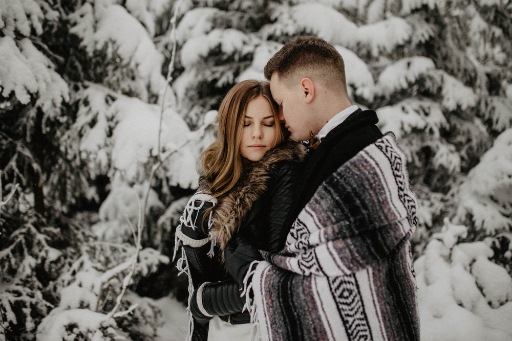 ashley_schulman_photography-winter_wedding_tampere-30.jpg