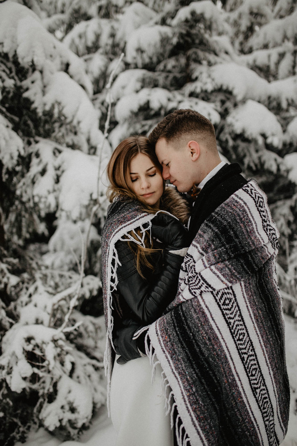 ashley_schulman_photography-winter_wedding_tampere-31.jpg