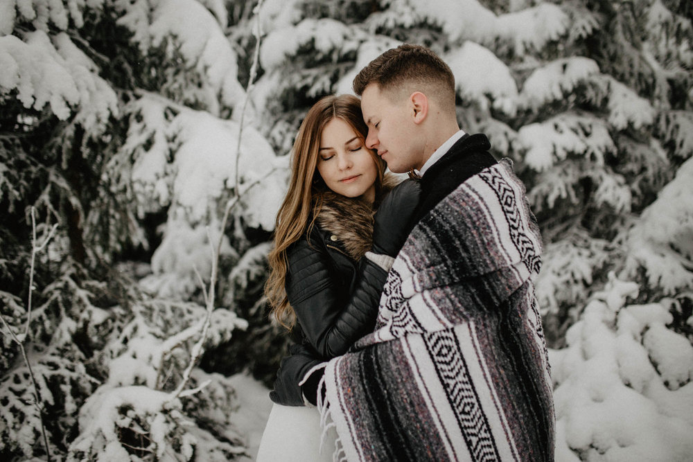 ashley_schulman_photography-winter_wedding_tampere-33.jpg