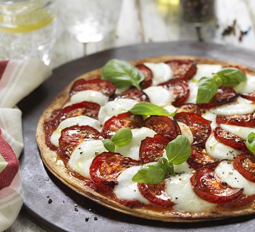 TOMATO & MOZZARELLA PIZZA