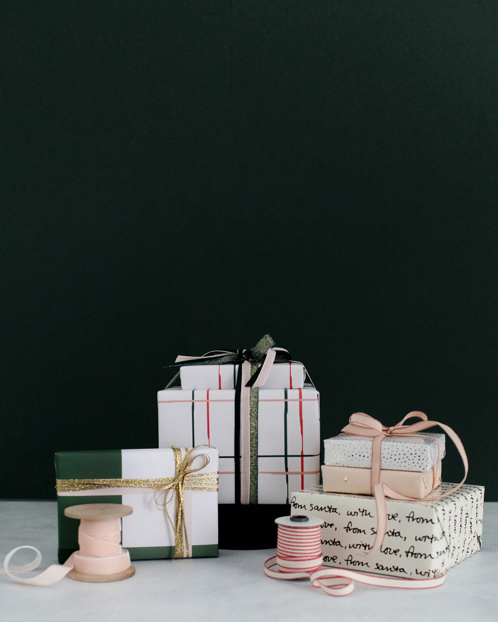 Green-and-Neutral-Holiday-Gift-Wrap-Inspiration-7.jpg