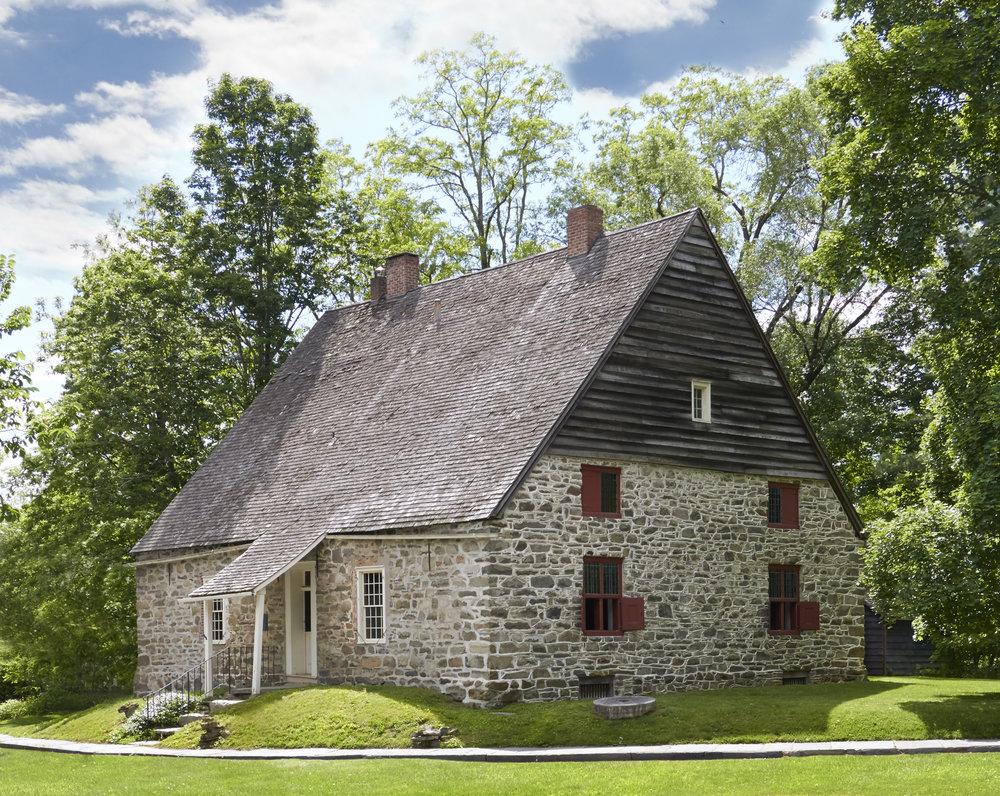 Jean Hasbrouck House (ca. 1721), Historic Huguenot Street, New Paltz, NY. Photo by Pieter Estersohn, 2017.