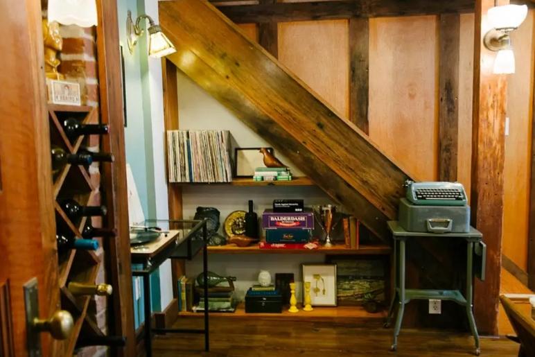 Photo source:  Sarah & Paul's airbnb listing